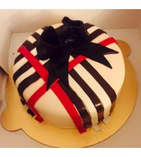 Vanilla cake with chocolate stripes2
